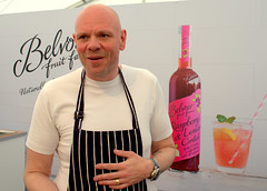 Chef Tom Kerridge at Nottingham Food Festival 2016 - 4 (Tony Worrall Foto) Tags: show county city nottingham uk england food festival fun town stream tour open place country authority great visit location event eat join area land british local annual eats venue update nottinghamshire attraction foodfestival foodie eastmidlands nottinghamcastle unitary nottinghamfoodfestival
