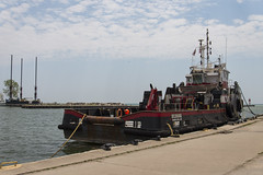 DUD_3855r (crobart) Tags: lake ontario port boat tug erie dover ecosse