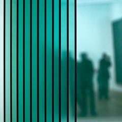 L'art vert (Gerard Hermand) Tags: paris france green glass silhouette museum canon vert muse visitor parallel centrepompidou verre gerhardrichter visiteur parallle formatcarr eos5dmarkii gerardhermand 1209217361