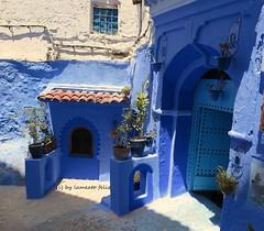 Un rincn de una calle en Chechaouen.Marruecos. (lameato feliz) Tags: azul arquitectura chefchaouen maruecos