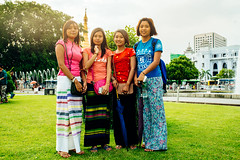 Girl in Yangon, Myanmar (ReinierVanOorsouw) Tags: reizen myanmar birma burma travelling travel travelstoke reiniervanoorsouw sony sonya7r sonya7rii a7rii asia asya azie yangon yangoon rangon rangoon