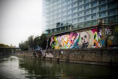 Viena Canal del Danubio (-Luisfer-) Tags: viena luisfer luisferfoto canal rio graffiti calavera danubio sony