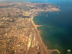 L'ouest de la baie d'Alger o se trouve Alger centre (Ath Salem) Tags: alger algrie ciel avion baie mer aroport voyage tourisme dcouverte mditerrane tarmac