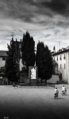 Prato (annia livia) Tags: e prato bianco nero bew citt biciclette