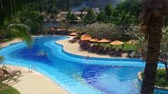 The Giant Pool (stardex) Tags: blue pool thailand hotel resort swimmingpool coconuttree krabi aonang stardex aonangvillaresort
