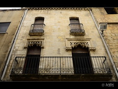 Faana de la casa Flix Via (PCB75) Tags: catalonia finestra catalunya catalogna faana catalogne finestres altpeneds vilafrancadelpeneds traceria carrerdelacort casaflixvia