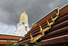 Wat Phra Si Rattana Mahathat - Phitsanulok (Geourjon Benoit) Tags: sunset 2 reflection canon thailand temple evening asia mark buddha south si royal buddhism east thai 5d asie 16 wat 35 phitsanulok thailande phra chedi mahathat prang rattana chinnarat woramahawihan