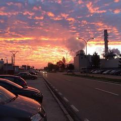 #nofilter #friday #viernes #amanecer #arise #nubes #clouds #sun #sol #nature #city #road #carretera (itcomext) Tags: road city sun sol nature clouds carretera amanecer nubes friday nofilter viernes arise instagram ifttt httpinstagramcompvfzsmgpnka
