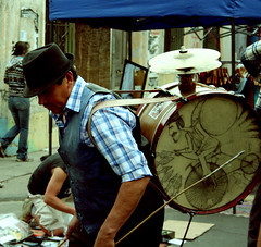 Chinchinero (jriverosuc) Tags: chile santiago arte música nacional cultura chileno yungay chinchinero