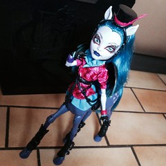 Midnight, you come and pick me up (MyMonsterHighWorld) Tags: monster high doll freaky fusion hybrid mattel avea trotter hybrids