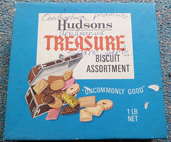 Hudsons Treasure Biscuit Assortment Box (kiwigame) Tags: newzealand labels ephemera label wrapper
