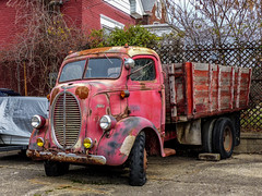 Rusty 1938 Ford COE Stake Truck (J Wells S) Tags: 1938fordcoestaketruck rust rusty junk caboverengine ludlow kentucky htt happytruckthursday