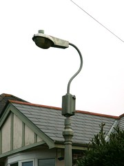 Z8691 @ Kingskerswell (beta5man) Tags: lamp streetlight mercury streetlamp lamppost devon lantern gec 80w kingskerswell z8691
