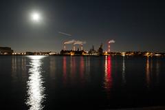 Refshaleen (plastAnka) Tags: longexposure moon copenhagen denmark lights ship cranes handheld refshaleen canoneos50d tamronafsp175028xrdiiildaspherical