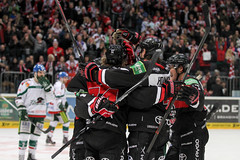 """DEL15 Kölner Haie vs. Augsburg Panthers • <a style=""""font-size:0.8em;"""" href=""""http://www.flickr.com/photos/64442770@N03/16300472641/"""" target=""""_blank"""">View on Flickr</a>"""