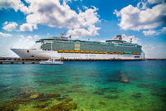 Independence of the Seas (Duenas007) Tags: cruise vacation mexico ship royal frogs vista caribbean cozumel independence seas seor glennduenas