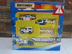 Vintage 1980's Matchbox Toy Police Gift Set including Jaguar XJ6 & Land Rover (beetle2001cybergreen) Tags: set vintage toy police rover gift land jaguar 1980s matchbox including xj6