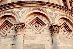 Dettagli (Explore 18/05/16) (Mary-Eloise) Tags: italy italia torre monumento details pisa tuscany dettagli toscana dettaglio marmo campodeimiracoli torredipisa