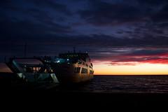 El Estrecho de Magallanes Espera (horment) Tags: chile patagonia ferry atardecer mar barco cielo nubes punta arenas estrecho magallanes puntaarenas estrechodemagallanes barcaza
