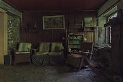 Country-Style (Julicious Photography) Tags: abandoned vintage decay interior neglected ruin livingroom ruine forgotten urbanexploration rotten grime filthy desolate residential derelict urbex verfall marode leerstand lostplace 5dmarkii