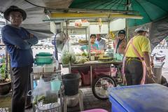 (kuuan) Tags: street leica food color thailand sony m mf manualfocus f4 a7 voigtlnder foodstall skopar 21mm chanthaburi voigtlndercolorskoparf421mm