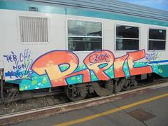 per chi non molla (en-ri) Tags: rpie reptiles gelo gelos crew arancione train torino graffiti writing