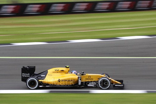 Jolyon Palmer in his Renault in Free Practice 1 at the 2016 British Grand Prix