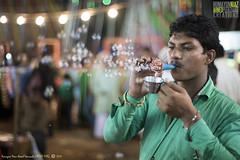 Har fikr ko bubbles mein udaata chala gaya, Mumbai, Maharashtra, India (Humayunn Niaz Ahmed Peerzaada) Tags: street saint zeiss 50mm f14 sony streetphotography carl ahmed manualfocus ze highiso planar niaz carlzeiss dargah sufisaint revered carlzeiss50mm tcarl peerzaada 50mmcarl f14carl makhdoomalimahimi sonya7s carlzeiss50mmf14zeplanartmanualfocuslens nightvisuals sufisaintmakhdoomalimahimi zeisssonysony alphamahimmumbaimaharashtraindiahumayunn peerzaadahumayunn