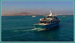 Canary islands, Fuerteventura (aad.born) Tags: espaa ferry spain fuerteventura espana lobos canaryislands spanje loslobos islascanarias veerboot glassbottomboat corralejo  canarischeeilanden  isladelobos corralejobeach majorero aadborn