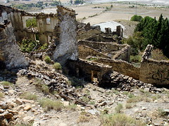 Puro olvido (tunante80) Tags: españa spain pantano zaragoza aragon jaca pirineos abandono esco puebloabandonado yesa jacetania