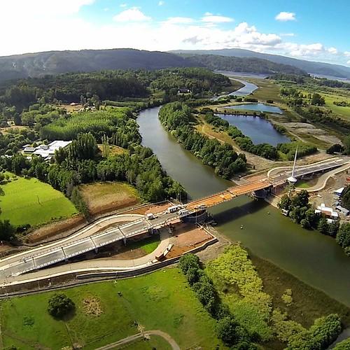 Primer puente basculante de Chile, desde un dron.