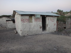 Kenia. Loyangalani. El hoterl Hilton (escandio) Tags: samburu kenia 2014 loyangalani viajealturkana