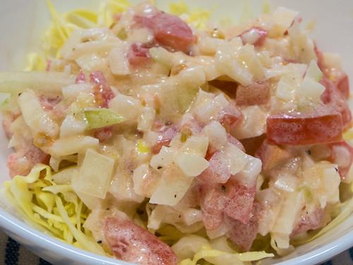 キャベツレタスタマネギトマトのサラダ
