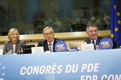 Marielle de Sarnez, Jean-Claude Juncker & Franois Bayrou (PDE-EDP) Tags: logo marielle rond banderolle juncker bayrou sarnez