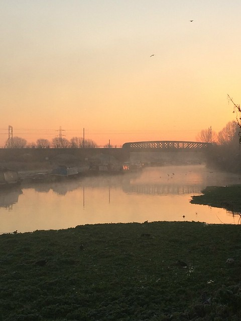 River lea NEW YEARS EVE morning 2014