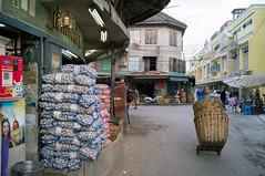 backside of new 'Yodpiman River Walk' (kuuan) Tags: architecture thailand chinatown bangkok mf manualfocus voigtlnder skopar colorskopar leicam f421mm yodpiman colorskoparf421mm voigtlndercolorskoparf421mm yodpimanriverwalk