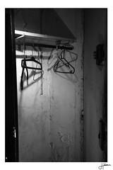 Htel Les Romanciers (Hlne Huet) Tags: bw house photoshop graffiti hotel nikon nw desert noiretblanc tag abandon temps exploration maison deserted hold backandwhite vieux seul urbex abandonn pass lugubre lieu squatte hant apsc d7100 lieuabandonn