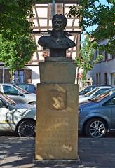 2012.09.06.45 ROUFFACH - Buste du Mal Lefebvre n  Rouffach en 1755 (alainmichot93) Tags: france statue architecture alsace empire glise 2012 buste hautrhin rouffach marchallefebvre