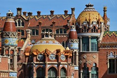 second wind (paddy_bb) Tags: barcelona spain mediterranean cityscape catalonia spanien 2016 hospitaldelasantacreuisantpau nikond5300 paddybb