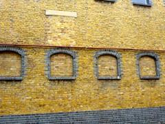 P1130892 Victorian Brickwork (londonconstant) Tags: streetscapes londonconstant costilondra londone20 queenelizabetholympicparkpromenades