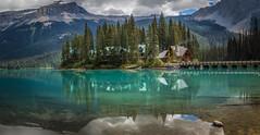 Emerald Lake Restaurant (https://500px.com/obrik) Tags: park lake canada reflection landscape