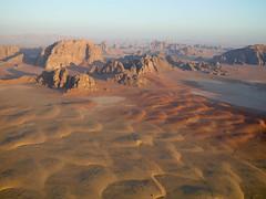 Oliver Bruns-13.jpg (oliverbruns) Tags: morning landscape early desert wadirum balloon earlymorning jordan rum wadi