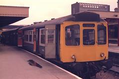 Class 110 DMU at Sheffield (Headcode) Tags: uk england train br diesel britain sheffield yorkshire rail railway rollsroyce crosscountry gb wilson nl railways britishrail southyorkshire dmu bluegrey metrotrain caldervalley epicyclic 50b dmcl nevillehill 55h class110 brcw selfchanginggears nevillehilldepot dieselmechanical dmbs birminghamrailwaycarriagewagon birminghamrailwaycarriagewagoncompany brbluegrey 52081 rollsroycec6 leedsnevillehill leedsnevillehilldepot robertchilton e52081 10jun1987 10061987 6101987 b0670