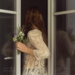 l'hesitation (la posie des images) Tags: windows reflection romantic reflets dentelle romantique frenchwindows poetryinimages annesilver laposiedesimages lesfentresparisiennes