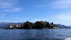 isole borromee (5) (giangian239) Tags: lago acqua blu giardino maggiore albero verde prato statua monumento isola isole borromee madre bella superiore panorama paesaggio lungolago
