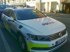 Copenhagen Police 2016 VW Passat BA28168 with LED roof spotlights (sms88aec) Tags: copenhagen police 2016 vw passat ba28168 with led roof spotlights