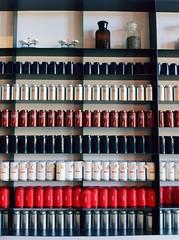 Pack them up. (胡亨董) Tags: taiwan 台灣 桃園 taoyuan teahouse 臺灣 teafactory 台湾 daxi 大溪 teacan 茶罐 茶場 茶廠 大溪老茶廠