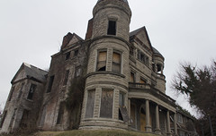Ouerbacker Mansion Louisville ,Kentucky (A  Train) Tags: brick abandoned kentucky creepy louisville mansion ouerbacker ouerbackermansion
