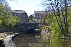 DSC_7179a (Sou'wester) Tags: bridge liverpool canal leeds lancashire locks barge narrowboat towpath pendle lancs britishwaterways barrowford leedsandliverpoolcanal inlandwaterways