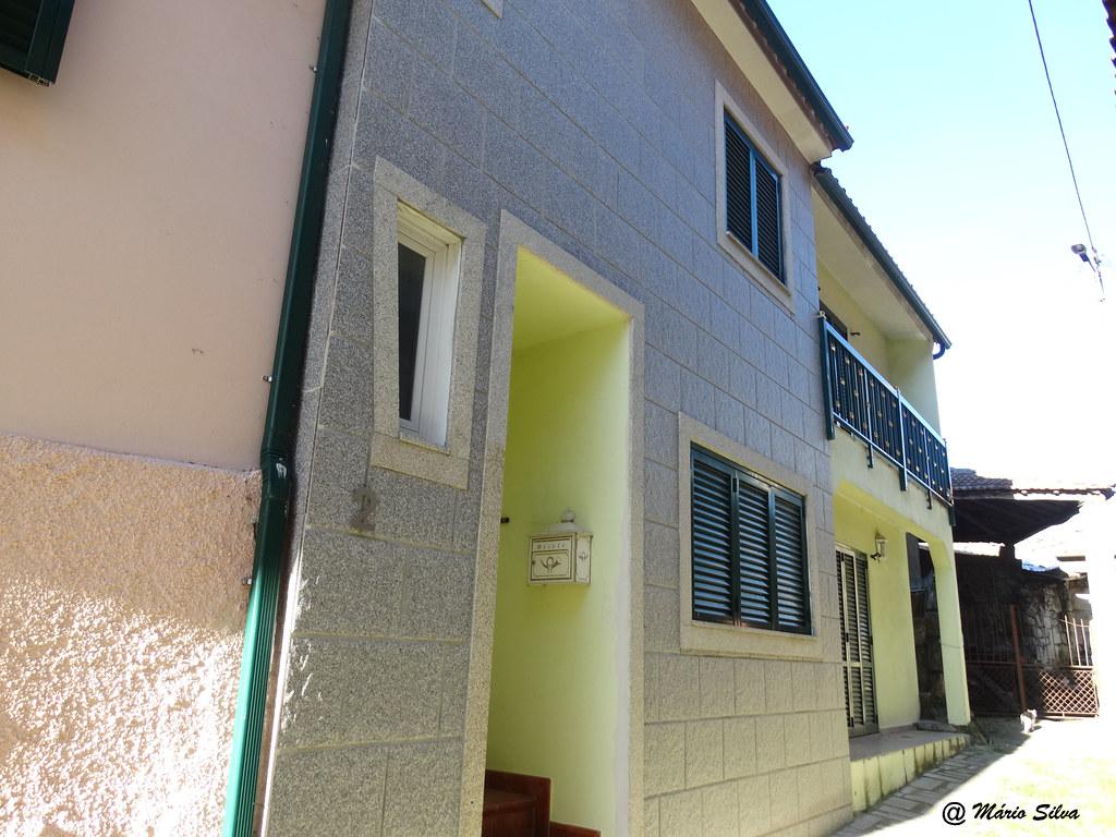 Águas Frias (Chaves) - casas da Aldeia